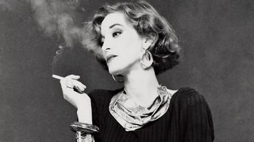 【跨經典】永遠叼根菸的女神!奢華品牌 YSL 的繆思「當年的時尚編輯和名人們都愛模仿她的造型!」