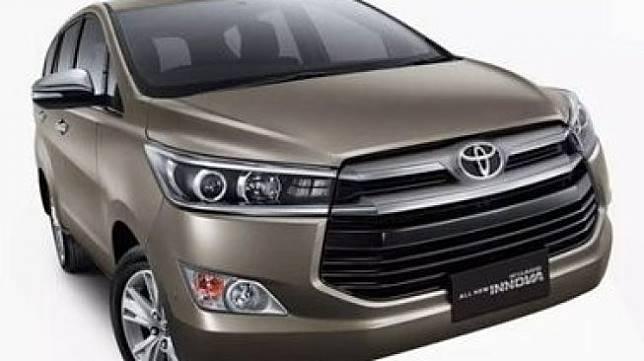 Toyota Kijang Innova dijual setengah harga di toko online. (Twitter/@ddycw)