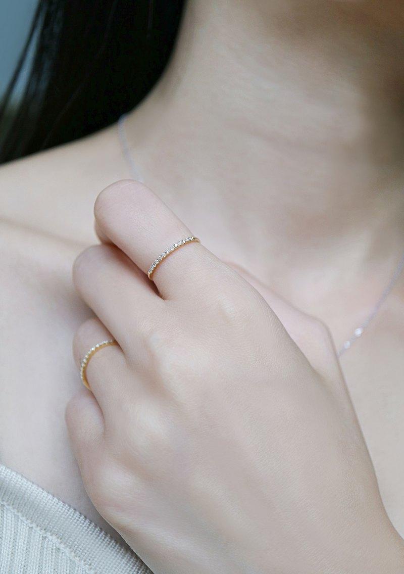 材質:白14K 金、配鑽 : 13顆 0.11CT(天然真鑽)