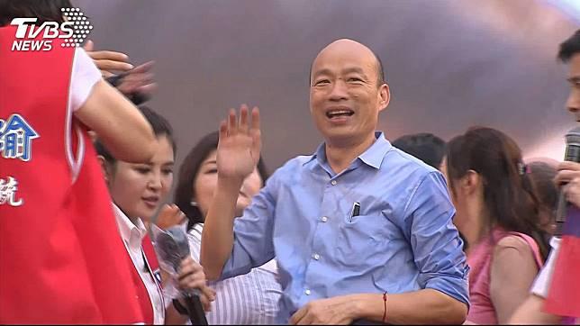719暴雨導致高雄市淹水,市長韓國瑜一度神隱20小時不見蹤影,引發各界議論紛紛。(圖/TVBS)