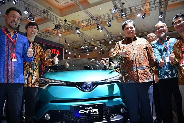 Toyota bakal luncurkan satu lagi mobil hibrid tahun ini setelah C-HR