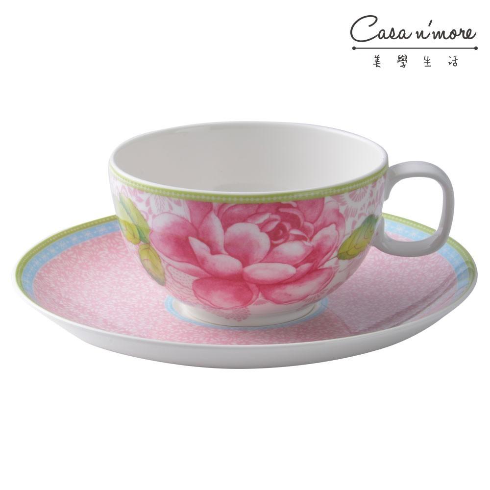 下午茶時更多了一份優雅浪漫,不論是喝花茶或是咖啡飲品都十分合適。點心盤除了適合將茶杯放在上面裝飾之外,也適合放一些餅乾、蛋糕點心。而因為此商品浪漫可愛,在餐桌上都特別引人注目,是極適合送禮的商品。 R