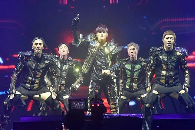 周杰倫原定下月在香港迪士尼舉行的演唱會,因香港社會情況而宣布延期。