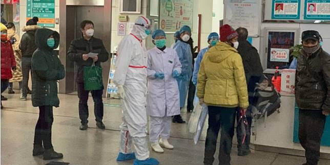 Kesibukan evakuasi warga Wuhan yang terjangkit virus corona (World of Buzz)
