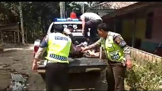Image result for jenazah Dibonceng Pakai Motor
