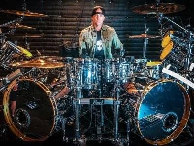 Drummer Evanescence Marah Karena Drumnya Dibakar Massa
