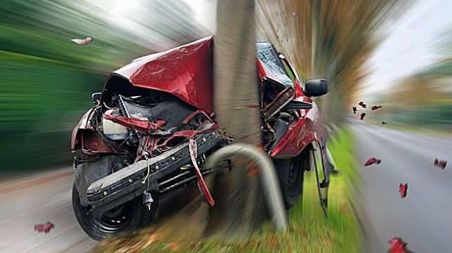 Ilustrasi kecelakaan mobil. [shutterstock]