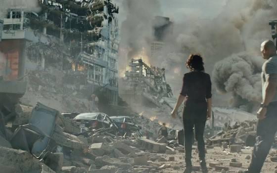 10 Film Tentang Bencana Alam Terbaik yang Harus Kamu Tonton, Auto Tobat! |  Jalantikus.com | LINE TODAY