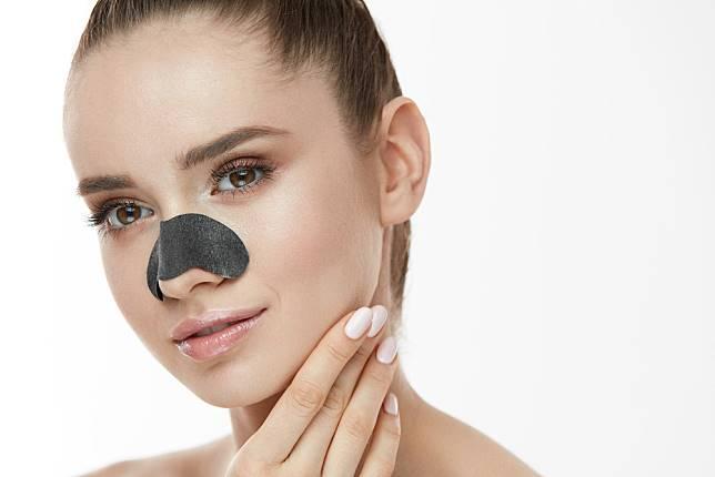5 Rekomendasi Nose Strip Buat Mengangkat Komedo Secara Instan | The Shonet  | LINE TODAY