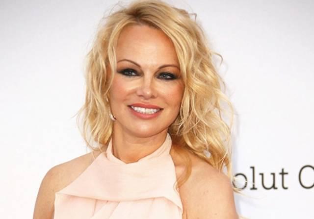 Cerai Setelah 12 Hari Menikah, Pamela Anderson Ungkap Kegalauan