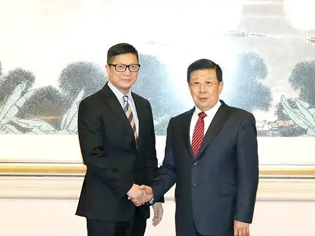 鄧炳強到訪北京,與國務委員兼公安部部長趙克志會晤。網圖