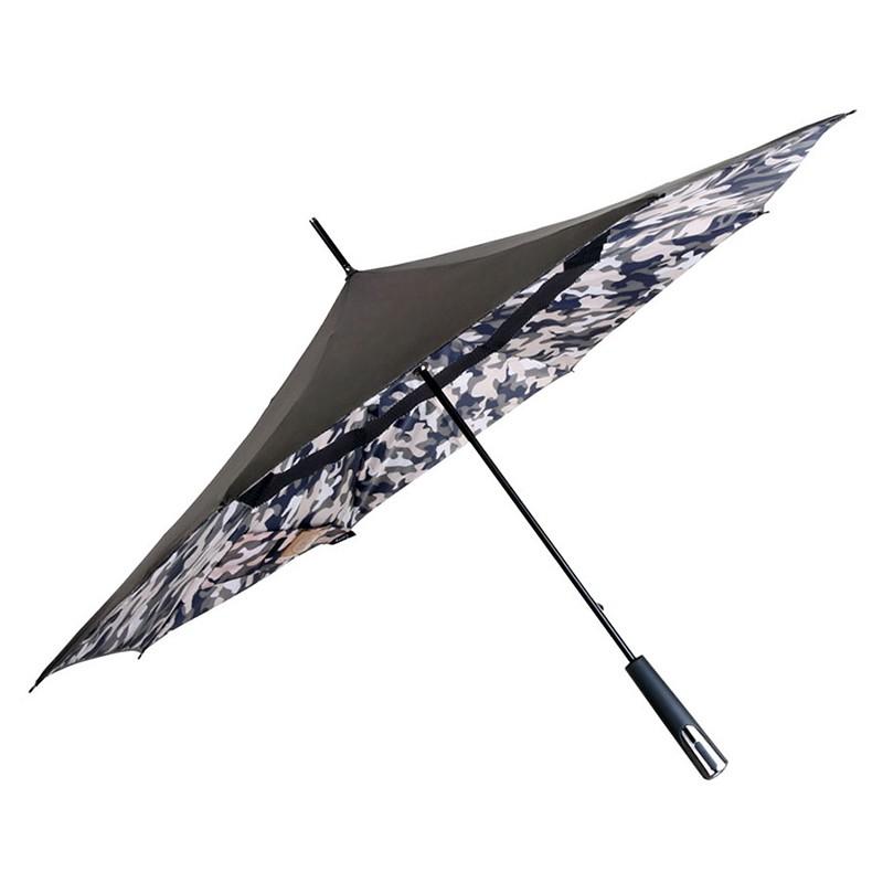 這是一款主打開車族使用的傘,方便的反向開收傘設計,提高反向傘包覆雨水的能力,減少被淋濕的困擾。雙層的傘布大大增加了防曬的效果,而布面的超潑水塗層,讓雨水接觸到傘面的瞬間,就變成水珠滑落,不再停留在傘面