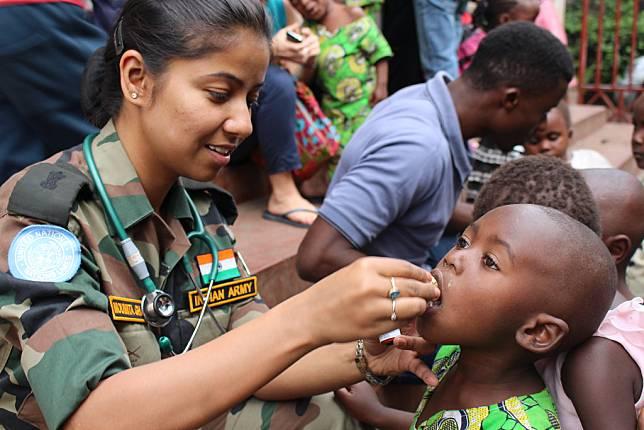 Tenaga Medis di Kongo Terapkan Keahliannya Mengatasi Covid-19