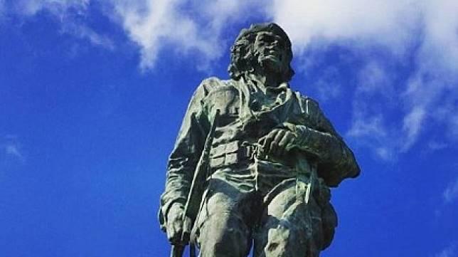 Keberadaan Monumen Ini Menimbulkan Kontroversi di Dunia