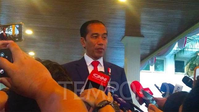 President Joko Widodo talks to journalists and deliver a message to the people of Papua regarding the fresh riot that broke out in Manokwari, West Papua, at the Merdeka Palace, Central Jakarta, Sunday, August 19, 2019. TEMPO/Egi Adyatama