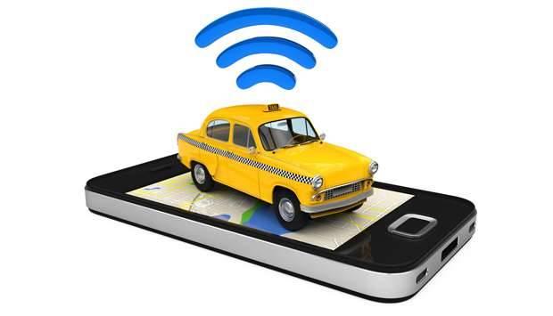 Ilustrasi - Taksi dan jaringan sinyal di telepon genggam pintar. dok/shutterstock KOMUNIKA ONLINE