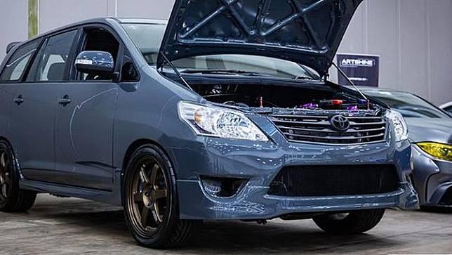 Toyota Innova bermesin Supra