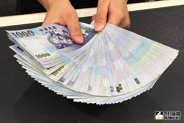 ▲新台币兑美元9月5日早盘先贬后升,但高低价差仅3.9分。(图/NOWnews资料照)