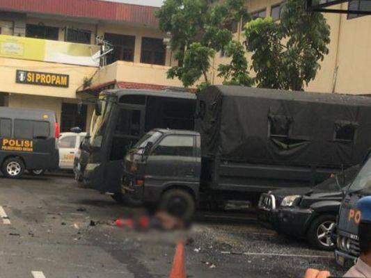 Pelaku bom bunuh diri tergeletak di Polrestabes Medan