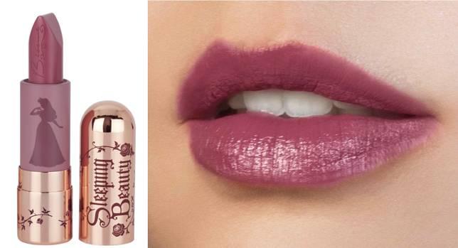 Maleficent唇膏($192),同樣是半霧面的妝感。