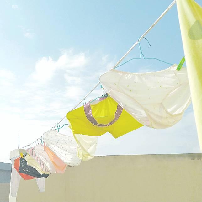 ▲內衣等貼身衣服的清潔、女性私處清潔、經期衛生等,都要多加注意。(示意圖/取自 Pexels )