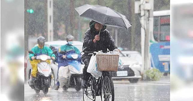 今年梅雨季要結束了? 專家揭「阿梅」現況、周六有鋒面「這2區」當心