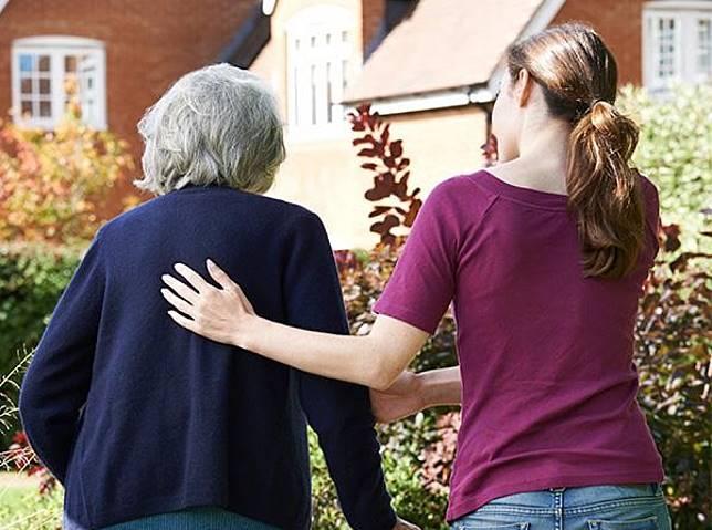 ▲根據壽險業調查結果發現,9成民眾對社會保險無信心,退休理財最愛定存,其次是保險,而且7成青壯族喜好實支實付醫療險。(圖/NOWnews資料照)