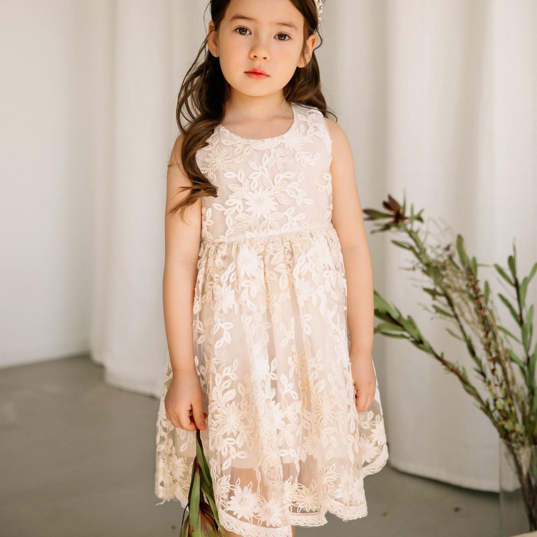 韓國 Merry Kate - 透膚雕花背心洋裝-奶油白