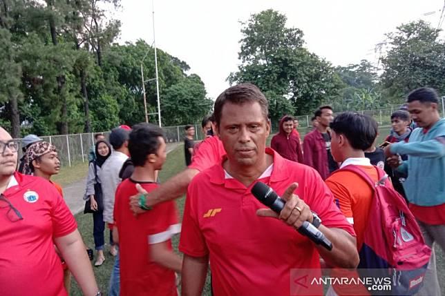 Pelatih Sergio sesalkan pemain asing Persija belum ikuti latihan