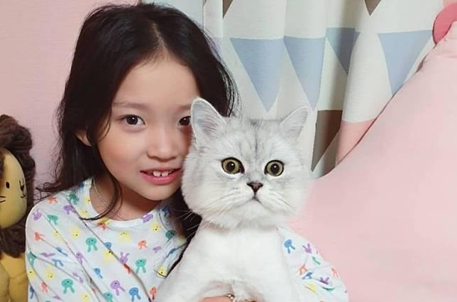 Aktris Cilik Koo Sa Rang Mundur dari Program TV Karena Kontroversi Menyiksa Kucing