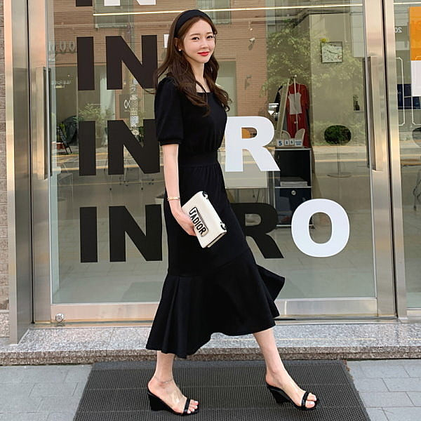 MIS298 產地:韓國 經典優雅方領收腰公主短袖魚尾長洋裝 顏色:黑色/粉色 材質:棉