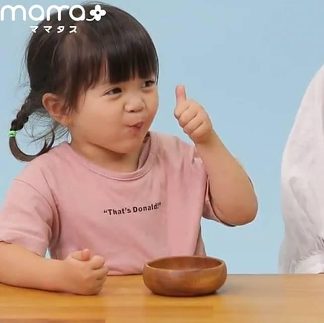 年紀愈小的小朋友通常都愈容易就範,只要跟他們說長大一點才可以吃,再換其他小食便不會扭計。(互聯網)