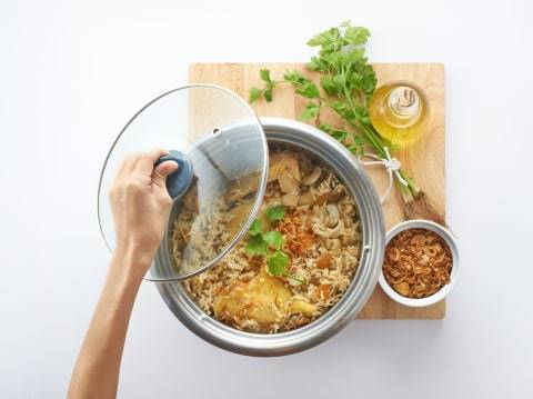 8 Menu Makanan Enak yang Bisa Dimasak dengan Rice Cooker