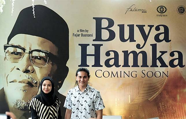A biopic on Buya Hamka will see Vino G. Bastian (left) in the titular role and Laudya Cynthia Bella as Bayu's wife, Siti Raham.