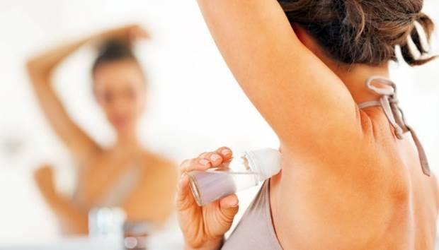 Ilustrasi penggunaan deodoran. shutterstock.com
