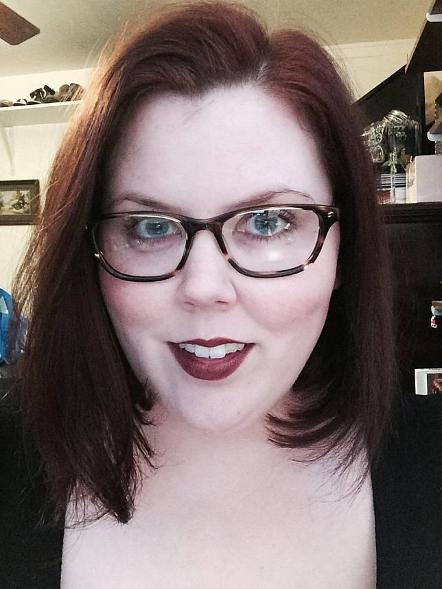 6 Tips Memilih Kacamata Untuk Hidung Pesek Termasuk Untuk Hijaber Womantalk Com Line Today