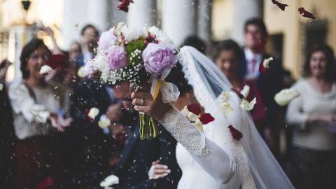 5 Jawaban Pamungkas Ketika Ditanya 'Kapan Nikah?'