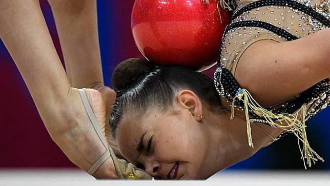 Aksi Pesenam Ritmik Dunia di Olimpiade Eropa 2019