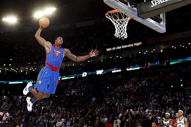 在2008年灌籃大賽以超人裝扮一灌成名的「魔獸」哈沃德(Dwight Howard)將會參加2020年明星週的灌籃大賽。 歐新社