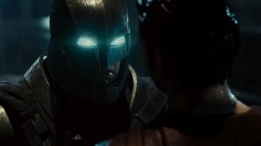 《蝙蝠俠對超人:正義曙光》最終版預告登場! 蝙蝠俠居然擋下超人的一拳!