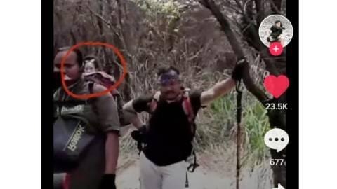 Viral Penampakan Misterius Terekam Kamera saat Pria Ini Naik Gunung Papandayan