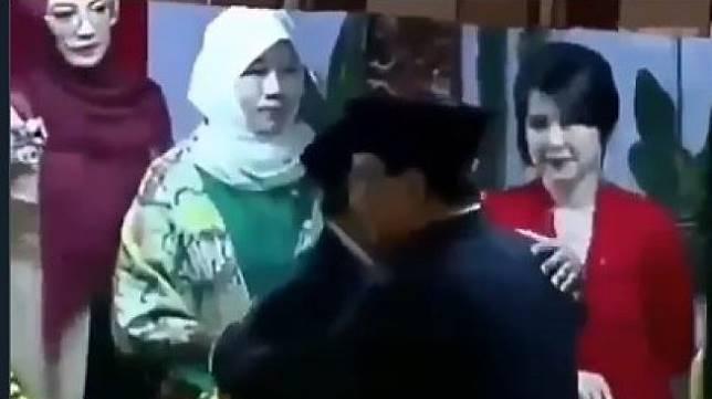 Prabowo Subianto enggan bersalaman dengan Grace Natalie. (Twitter)