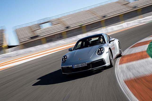 更加智慧 第八代Porsche 911超跑發表 性能與售價公開