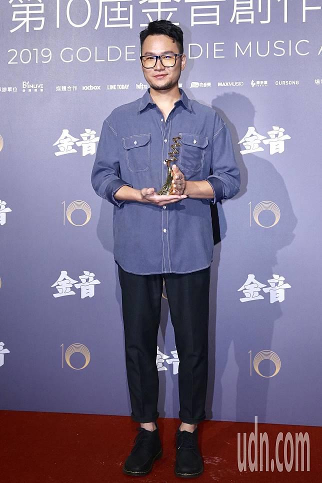 第十屆金音創作獎頒獎典禮在國父紀念館舉行,最佳樂手獎由張仲麟《春拾》獲獎。記者林伯東/攝影