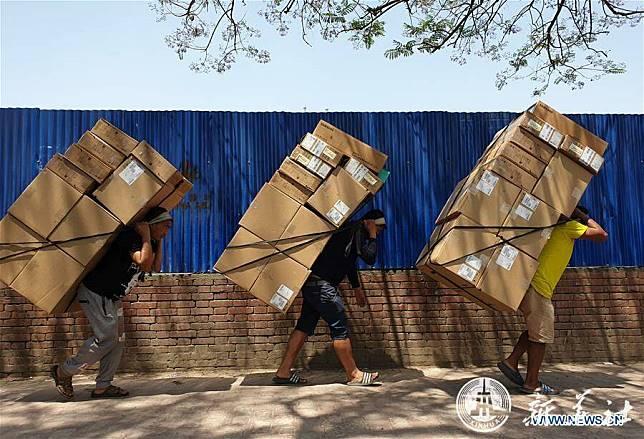 เช็กจ่อลดเพดานเกษียณพนักงาน 'ใช้แรงงานหนัก' แถมเพิ่มเงินบำนาญ