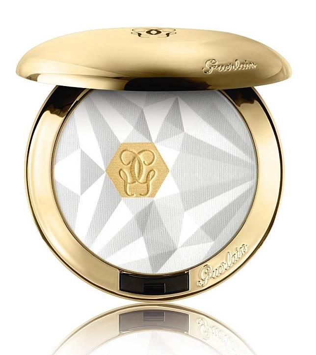 GUERLAIN Parurep Gold金鑽修顏亮肌粉餅:適用於提亮啞致肌膚,亦可作高光使用。(互聯網)