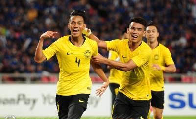 Suarez nhập, bàn tay của Chúa,… CĐV Đông Nam Á đảo điên vì siêu hậu vệ Malaysia