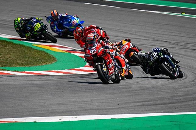 MotoGP Catalunya 2019 - Lorenzo Akui Menyalip Vinales di Momen yang Salah