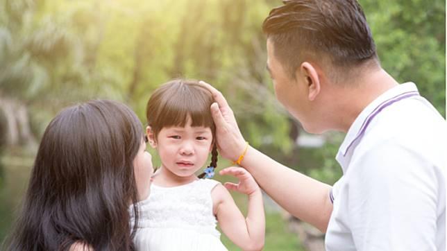 面對失敗,父母的任務是引導孩子,而不是放任他獨自面對
