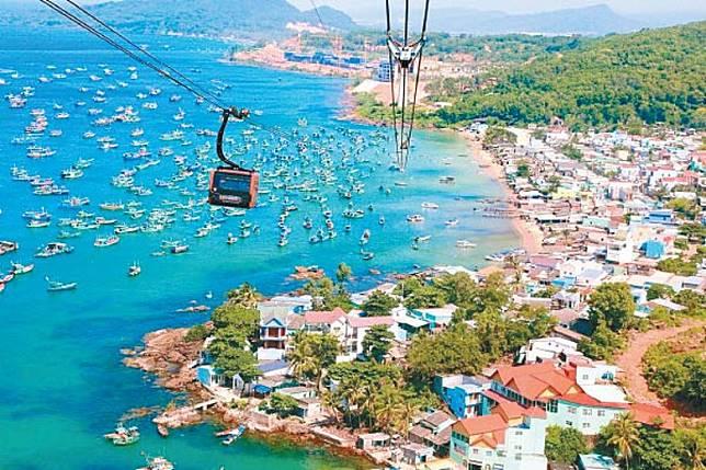 富國島是越南最大海島,以水清沙幼聞名。(互聯網)
